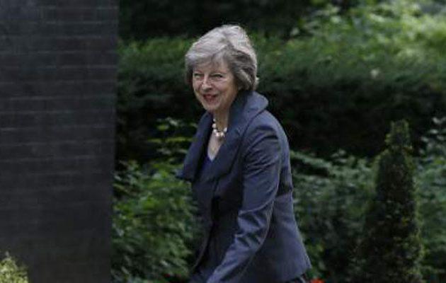 Mέι: Οι Βρετανοί θέλουν μείωση της μετανάστευσης στο Ηνωμένο Βασίλειο