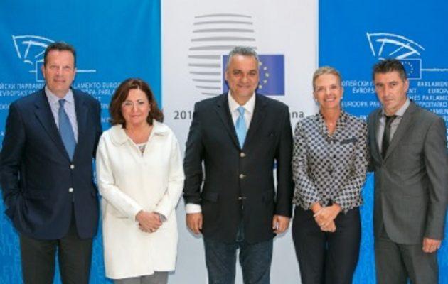 Ευρωβουλευτές ΝΔ: «Στηρίζουμε δημοκρατική νομιμότητα – ελευθερία στην Τουρκία»