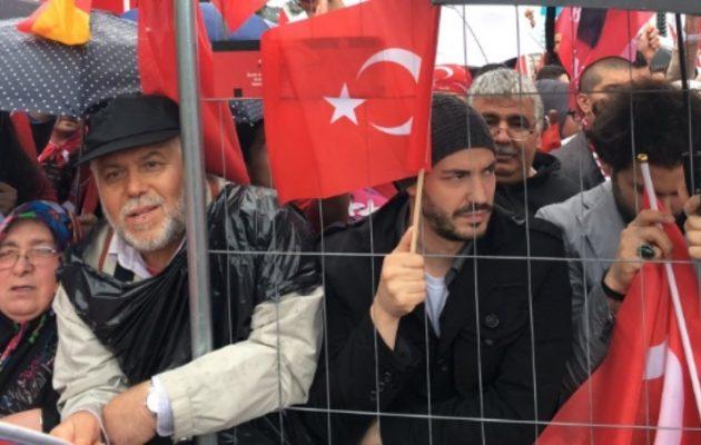 Η γερμανική κυβέρνηση δεν σχολίασε τον… πόνο του Ερντογάν