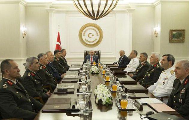 Το πογκρόμ συνεχίζεται – Αποτάσσονται 586 συνταγματάρχες στην Τουρκία