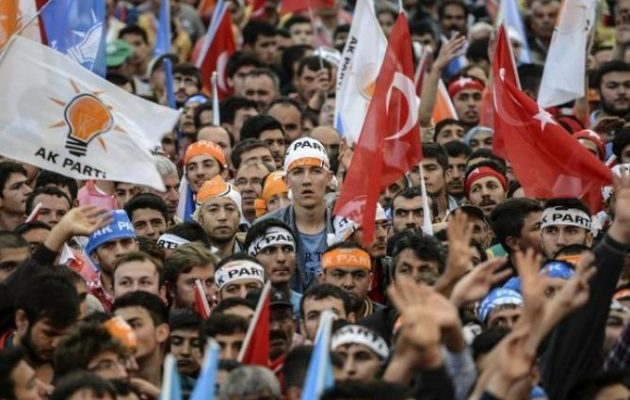 Στο 14,7% εκτινάχτηκε η ανεργία στην Τουρκία – Ξεφουσκώνει η «φούσκα» Ερντογάν