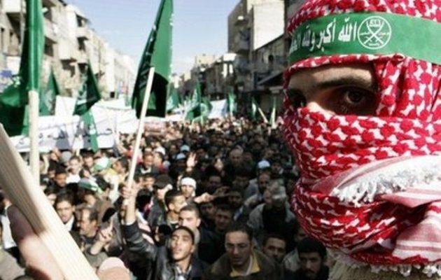 Οι Άραβες θρησκευτικοί ηγέτες καταδικάζουν με φετφάδες ως τρομοκρατική τη Μουσουλμανική Αδελφότητα