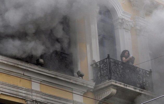 Σοκάρουν οι καταθέσεις της φωτιάς στη Marfin: Μας φώναζαν «να καείτε»
