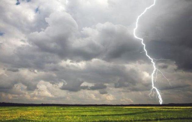 Κεραυνός χτύπησε εφήβους σε κατασκήνωση στη Γαλλία – Σε σοβαρή κατάσταση ένας 15χρονος