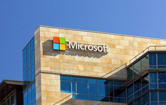 Μετά την Tesla και η Microsoft θέλει να επενδύσει τεχνολογικά στην Ελλάδα