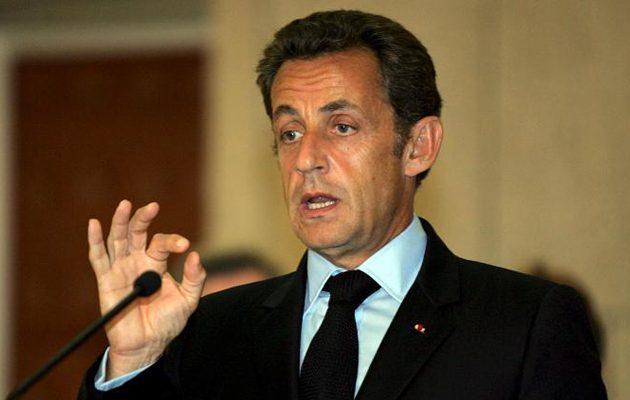 Βόμβα Σαρκοζί: Δεν αποκλείω δημοψήφισμα για έξοδο της Γαλλίας από την Ε.Ε.
