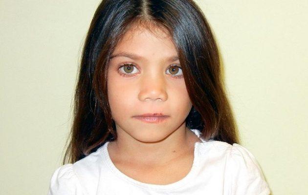 Ρόμα κρατούσαν αυτό το εξάχρονο κορίτσι – Το αναγνωρίζει κανείς;