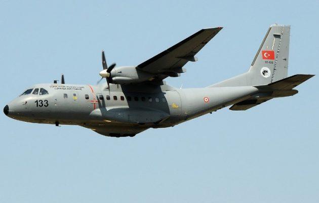 35 παραβιάσεις έκαναν δύο τουρκικά CN-235 πετώντας κάθετα στο Αιγαίο
