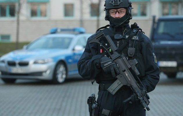 Γερμανία: Έφοδος σε σπίτια ιμάμηδων υπόπτων για κατασκοπία υπέρ της Τουρκίας