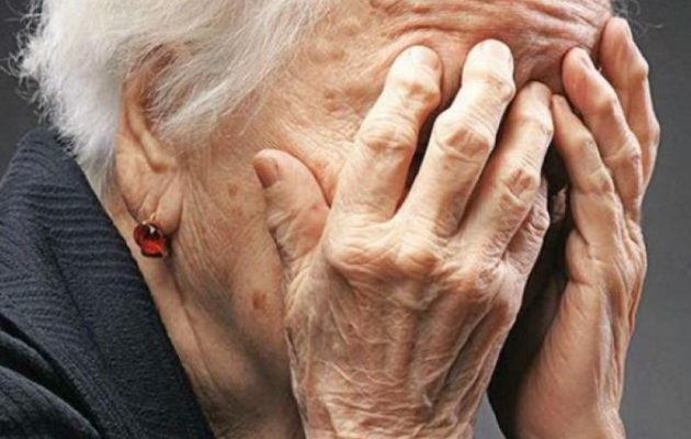 Ιτέα: Έδεσαν, χτύπησαν και λήστεψαν την 83χρονη που τους τάιζε