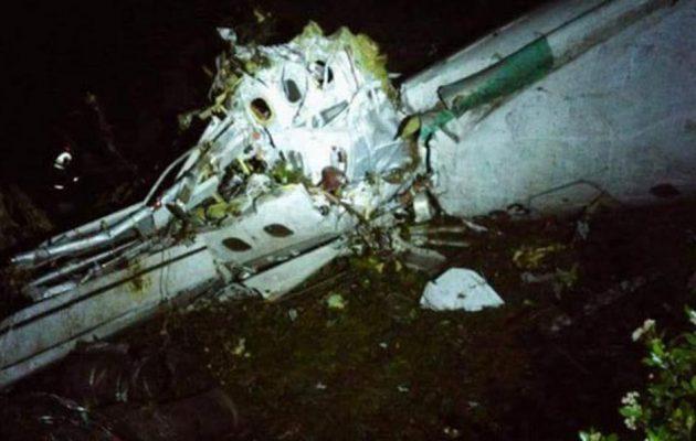 Ποδοσφαιρική ομάδα μετέφερε το αεροσκάφος που συνετρίβη στην Κολομβία – Έξι επιζώντες (βίντεο)