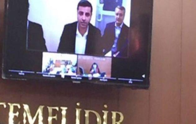 Ξεκίνησε στην Τουρκία η δίκη του Κούρδου ηγέτη Ντεμιρτάς – Τον κρατάνε στην Ανδριανούπολη