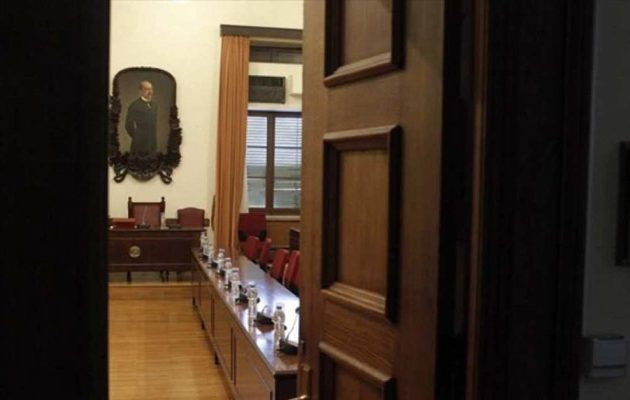 Βόμβα Λάππα: Εισαγγελέας Διαφθοράς ζητά δίωξη πρώην υπουργού Υγείας