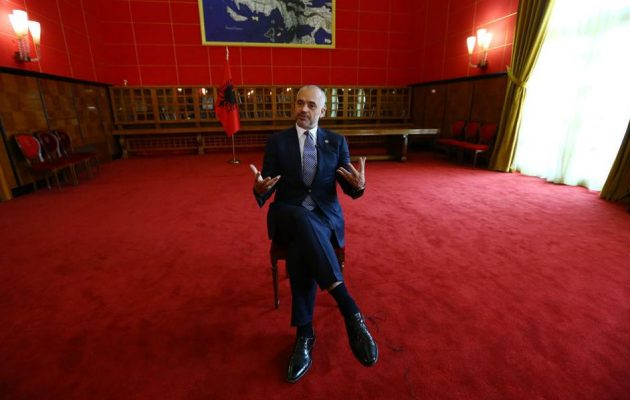"""Ο Ράμα οδηγεί την Αλβανία σε απομόνωση από την Ευρώπη με τις """"μαγκιές"""" στην Ελλάδα"""