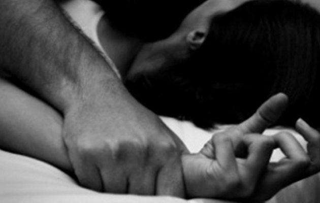 Θύμα βιασμού από Αλβανό η σύζυγος του 53χρονου που εξέδιδε την 18χρονη κόρη του στη Λαμία