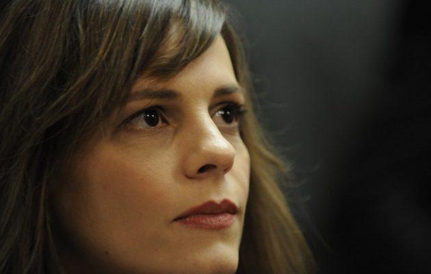 Αχτσιόγλου: O Μητσοτάκης απορρίπτει τις ίσες ευκαιρίες και εκβιάζει τον λαό