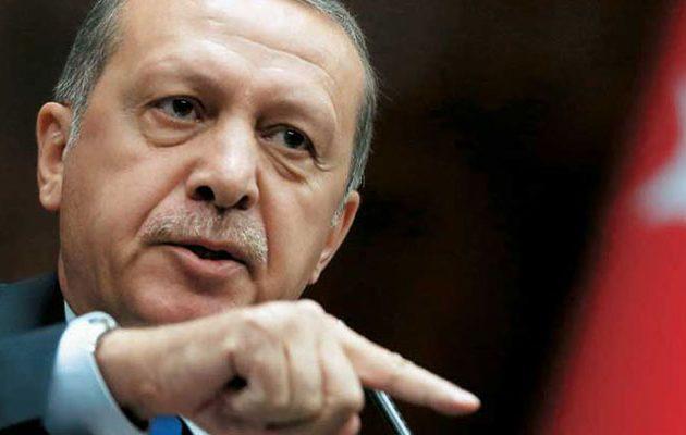Ο Ερντογάν κόβει και το Πένθιμο Εμβατήριο του Σοπέν στις κηδείες