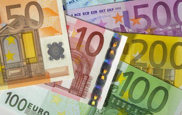 Ο κατώτατος μισθός στην Ισπανία στα 900 ευρώ – Πώς επηρεάζεται η πραγματική οικονομία
