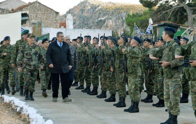 """Καμμένος από Καστελόριζο: """"Οι σκέψεις μας κοντά στους στρατιώτες μας"""""""