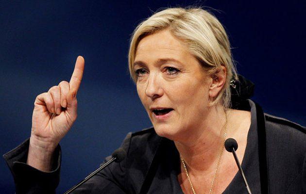 Είναι γεγονός: Η Μαρίν Λεπέν παραιτήθηκε από την ηγεσία του Εθνικού Μετώπου