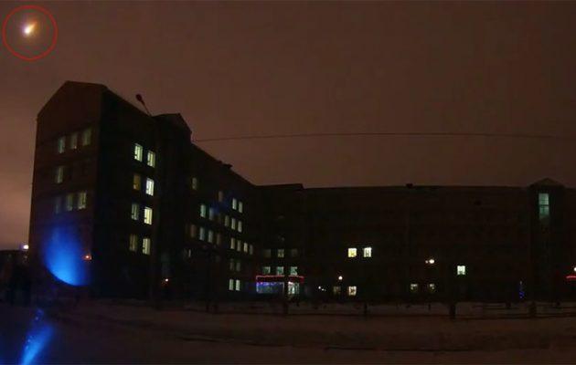 Τη νύχτα μέρα έκανε μετεωρίτης στη Σιβηρία (βίντεο)