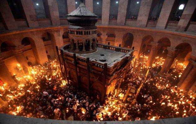 Ποιος είναι ο άνθρωπος που μπήκε πρώτος στον Πανάγιο Τάφο – Τι αποκαλύπτει (φωτο)