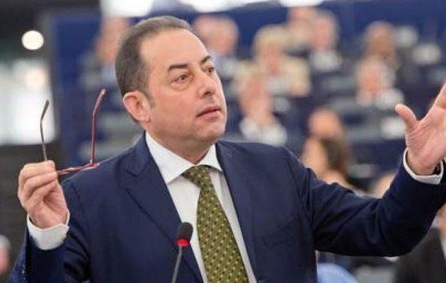 Πιτέλα: Ο Σόιμπλε είναι το μεγαλύτερο πρόβλημα για την Ευρώπη