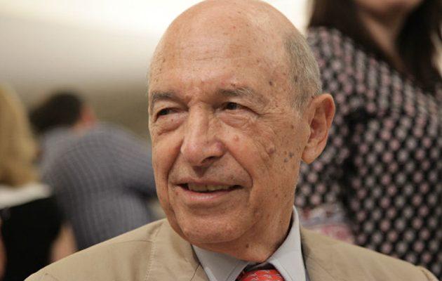 Ο Σημίτης επιμένει σε «ουδετεροποίηση» του Αιγαίου – Να πάρουν θέση τα κόμματα