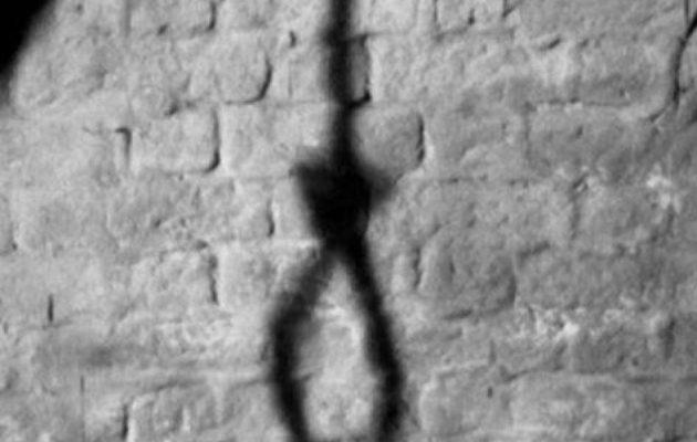 Μητέρα βρέθηκε κρεμασμένη μέσα στο σπίτι της στα Χανιά