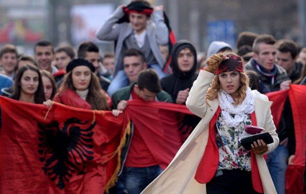 Οι Αλβανοί των Σκοπίων απαιτούν τα αλβανικά επίσημη γλώσσα του κρατιδίου