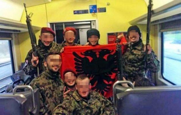 Αλβανοί νεοσύλλεκτοι στον Ελβετικό Στρατό έδειξαν κι εκεί το… πουλί τους