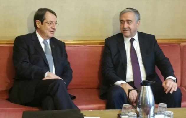Οι Κύπριοι πολιτικοί αρχηγοί εγκαταλείπουν τον Αναστασιάδη στη Γενεύη