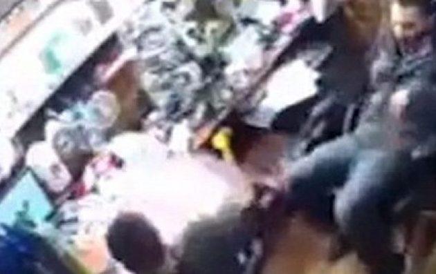 Εντυπωσιακή έκρηξη Smartphone στα χέρια του κατόχου του (βίντεο)