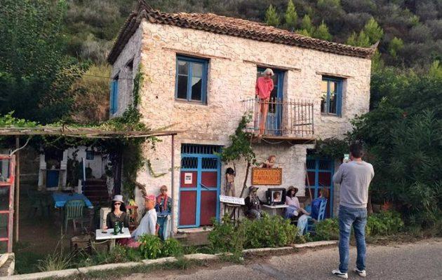 """Που βρίσκεται το """"στοιχειωμένο"""" χωριό της Ελλάδας – Κατοικούν μόνο κούκλες!"""