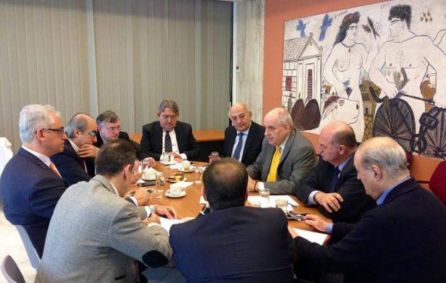Άπαντες πρώην και νυν υφυπουργοί Εξωτερικών με κοινή εθνική γραμμή για την ελληνική διασπορά