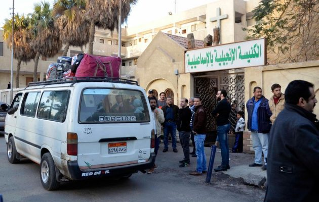 Αιγύπτιοι χριστιανοί εγκαταλείπουν το βόρειο Σινά – Τους κυνηγά και τους σφάζει το Ισλαμικό Κράτος