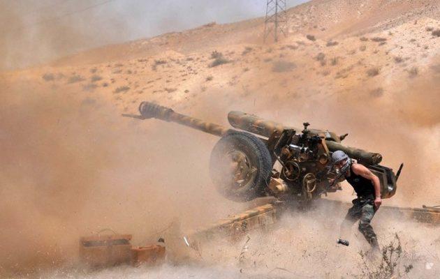 Στα 24 χλμ δυτικά της Παλμύρας ο συριακός στρατός – Σκληρές μάχες στην έρημο