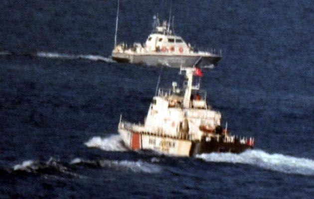 Η Τουρκία κλιμακώνει σε στεριά, αέρα και θάλασσα – Πυροβολούν στον Έβρο, υπερπτήσεις και «ναυμαχίες»