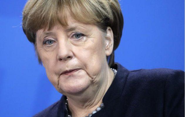 Γερμανία: Δημοσκόπηση ΣΟΚ για τη Μέρκελ βάζει φωτιά στον προεκλογικό αγώνα