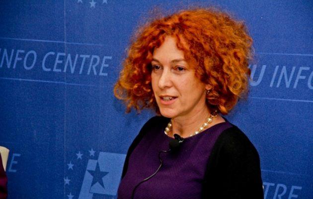 Η Ρομάνα Βλαχούτιν -πρέσβης της ΕΕ στην Αλβανία- αρνείται τις σχέσεις της με τον Σόρος