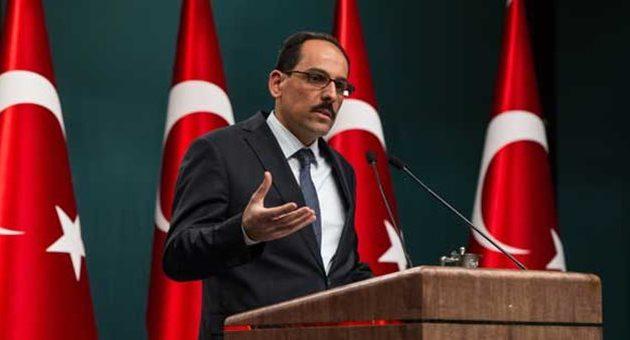 Νέα επίθεση Ερντογάν στη Μέρκελ: Υποστηρίζει την οργάνωση του Γκιουλέν