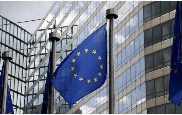 «Απαράδεκτη» η εμπλοκή της Ρωσίας στα εσωτερικά της Ελλάδας, λέει εκπρόσωπος της Κομισιόν