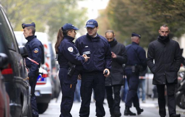 Γαλλία: 50.000 αστυνομικοί θα φρουρούν τα εκλογικά κέντρα – Φόβοι για επίθεση τζιχαντιστών