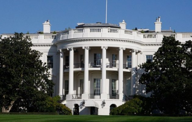 Ανησυχία στον Λευκό Οίκο – Διαπιστευμένος δημοσιογράφος με Covid-19