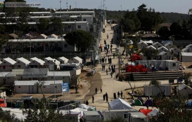 Συνεχίζουν την απεργία πείνας στη Λέσβο οι 12 Κούρδοι πρόσφυγες από τη Συρία