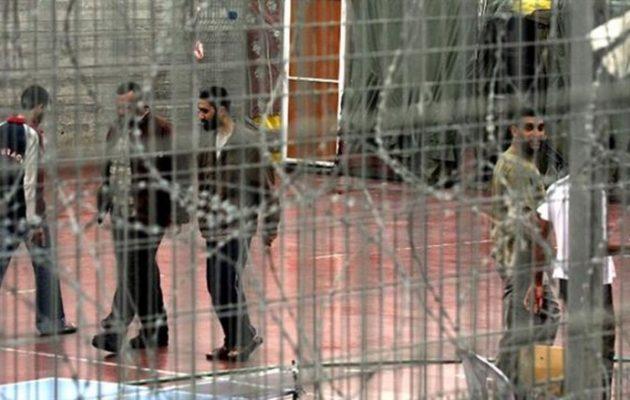 Σε απεργία πείνας 1.000 Παλαιστίνιοι κρατούμενοι στις φυλακές στο Ισραήλ
