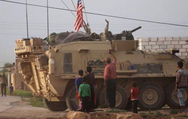 Αμερικανοί αναπτύχθηκαν στο πλευρό των Κούρδων με τις κάννες στραμμένες στους Τούρκους (φωτο)