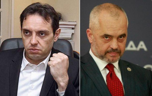 """Σέρβος υπουργός προειδοποίησε τον Έντι Ράμα με πόλεμο – Η ντροπή των Τιράνων τα """"κατάφερε"""" πάλι"""