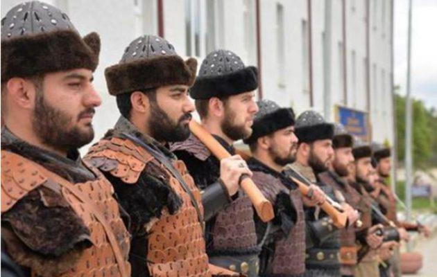 Οι Τούρκοι έβαλαν «μεσαιωνική φρουρά» στον τάφο του Ερτογρούλ – Το μυστικό της καταγωγής των Σουλτάνων (βίντεο)