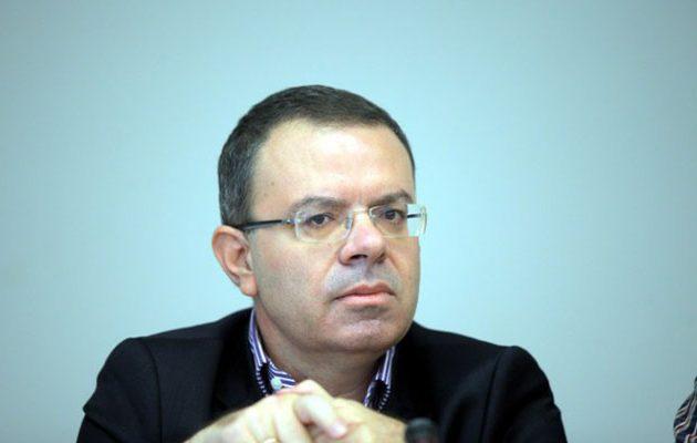 «Μήνυμα» Κοττάκη: Πώς Άδωνις και Βορίδης διώχνουν ψηφοφόρους από τη ΝΔ